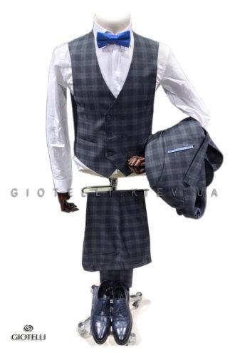 Серый костюм мужской клетчатый