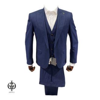 Синий костюм в полоску